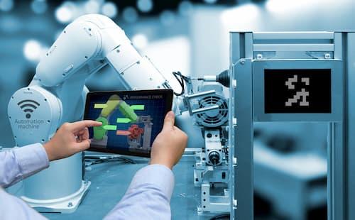 Photo d'un bras robotisé pour l'IIoT