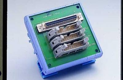 Bornier ADAM pour carte d'acquisition de données, SCSI-68 to 3*IDC-20 Converter, DIN-rail Mount