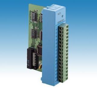 ADAM-5051-AE Carte d'acquisition pour ADAM série 5000, 16 entrées numériques