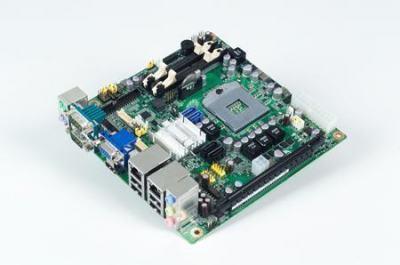 Carte mère industrielle, DC miniITX PGA DVI/VGA/PCIe/GbE, RoHS