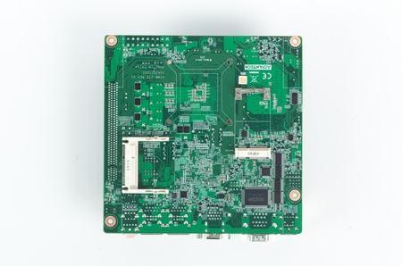 AIMB-272G2-00A1E Carte mère industrielle, Intel Core i miniITX.PGA.DVI/VGA/LVDS/2GbE,RoHS