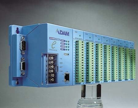 ADAM-5000/TCP-CE Station d'acquisition de données ADAM, 8-slot Distributed DA&C System Based on Ethernet
