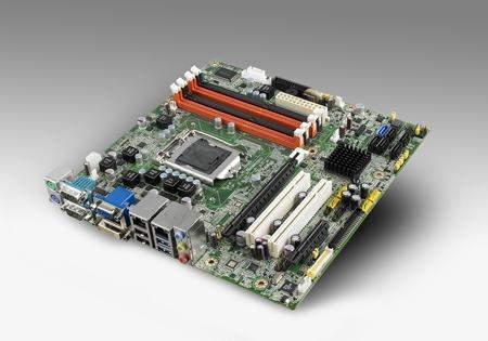 AIMB-581QG2-LVA1E Carte mère industrielle, C2D LGA775 mATX FSB1066 VGA/ GbE/10COM w/o LVDS