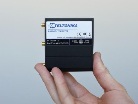 RUT240-00E000 Routeur industriel 4G/3G/2G  WiFi compact, puissant -40°C +75°C